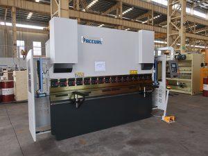 મલેશિયામાં હાઇડ્રોલિક નમવું મશીન સીએનસી 3 અક્ષ પ્રેસ બ્રેક