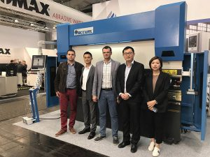 Accurl 2017 માં જર્મનીમાં હેનહોર ઇન્ટરનેશનલ મશીન ટૂલ એક્ઝિબિશનમાં ભાગ લીધો હતો