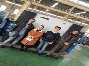 ઇજિપ્ત ગ્રાહકો Accurl કંપનીઓ પ્રતિ પ્રેસ બ્રેક મશીન ખરીદો