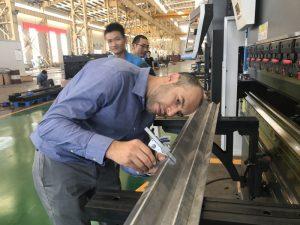 અમારી ફેક્ટરી 2 માં ઈરાન ક્લાયંટ પરીક્ષણ મશીન